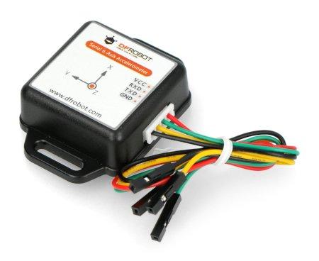 W skład zestawu wchodzi także dedykowany przewód połączeniowy, który pozwala na szybkie połączenie czujnika z modułem mikrokontrolera.